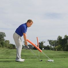 Indisputable Top Tips for Improving Your Golf Swing Ideas. Amazing Top Tips for Improving Your Golf Swing Ideas. Video Golf, Golf Chipping Tips, Golf Putting Tips, Best Iron, Golf Instruction, Golf Exercises, Golf Tips For Beginners, Perfect Golf, Golf Irons