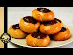 Ζουμερά ροξάκια! Αυτή την συνταγή θα την λατρέψεις! - ΧΡΥΣΕΣ ΣΥΝΤΑΓΕΣ - YouTube Greek Recipes, Doughnut, Cheesecake, Muffin, Breakfast, Desserts, Food, Youtube, Breakfast Bagel