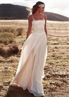 Charming Chiffon Spaghetti Straps Neckline A-line Wedding Dresses With Lace Appliques