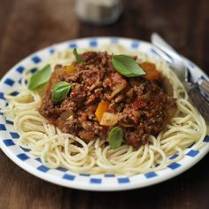 Spaghetti Bolognese Makeup World Recipes Food 🎃 Healthy Recipes For Weight Loss, Healthy Salad Recipes, Healthy Meal Prep, Easy Healthy Dinners, Healthy Snacks, Healthy Eating, Healthy Weight, Plats Weight Watchers, Weight Watchers Meals