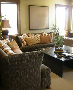 10 Living Rooms Without Coffee Tables The Chandelier Small Accent Tables A