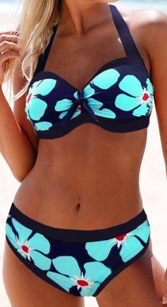 Shop trendy fashion swimwear online, you can get sexy bikinis, swimsuits & bathing suits for women on ZAFUL. Halter Bikini, Bikini Swimwear, Sexy Bikini, Swimsuits, Halter Neck, Blue Bikini, Romwe Swimwear, Bikini Beach, Bikini Top