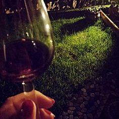L'ultimo bicchiere #popcorn #internetgourmet #michelapierallini #dettofattocomunicazione #vino #notte #luna