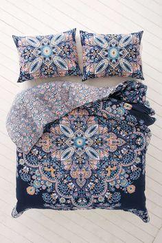 Avignon Floral Medallion Comforter