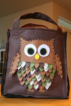 easy halloween owl card | ... the owl i attached the owl to the bag by hand sewing around it