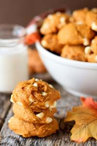 pumpkin white chocolate chip cookies Chocolate peanut butter cupcakes 18 Microwave Snacks You Can Cook In A Mug peanut butter peanut butter . Pumpkin Recipes, Fall Recipes, Sweet Recipes, Cookie Recipes, Dessert Recipes, Dessert Ideas, Pumpkin Cookies, Pumpkin Spice, Churros