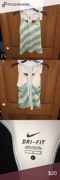 Nike dri fit tank Very nice dri fit Nike tank. Excellent condition Nike Tops Tank Tops