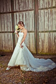 Brides and old barns are a staple of the Wedding industry. Here's my spin on the classic pairing.