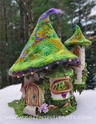 felt tree fairy house - didn't think of a felt roof but I like it.