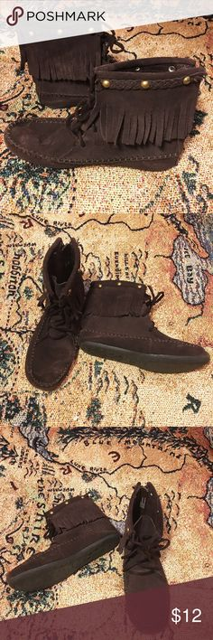 Brown suede fringe moccasin boots Girl's brown suede leather fringe moccasin ankle boots, size 4. *Will fit women's size 6!* zips in back and ties in front for perfect fit. Braided leather & brass studs at top. Gently loved. Circo Shoes Moccasins