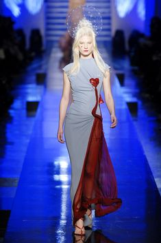 Jean Paul Gaultier Spring 2007 Couture collection, runway looks, beauty, models, and reviews.