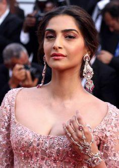 Sonam Kapoor Cannes Film Festival 2017