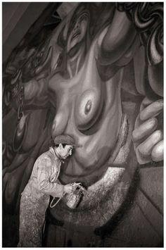 David Alfaro Siqueiros. 1896-1974 Applying the finishing... - All things Mexico.