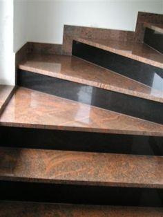 Stairs Tiles Design, Staircase Design Modern, Stair Railing Design, Home Stairs Design, Stair Decor, Modern Stairs, Bungalow House Design, House Front Design, Granite Stairs