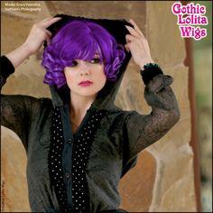 (http://www.gothiclolitawigs.com/curly-bob-violet-purple-lavender-blend/)