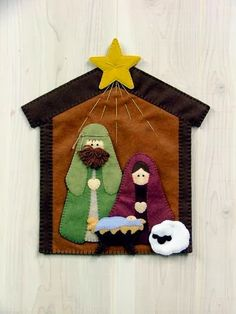 like the rays from the star - - - Nativity Wall Hanging Felt Christmas Decorations, Felt Christmas Ornaments, Christmas Nativity, Christmas Art, Christmas Projects, Christmas Holidays, Nativity Ornaments, Nativity Crafts, Felt Crafts
