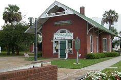 The old train depot Fernandina Beach Florida, Amelia Island Florida, Vintage Florida, Seaside Towns, Horseback Riding, Kayaking, Coastal, Places To Visit, Tropical