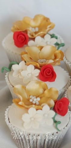 Red and gold flower  #wedding cupcakes ... Wedding ideas for brides, grooms, parents & planners ... https://itunes.apple.com/us/app/the-gold-wedding-planner/id498112599?ls=1=8 … plus how to organise an entire wedding ♥ The Gold Wedding Planner iPhone App ♥