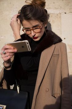 Love this look. Faces by The Sartorialist, Paris The Sartorialist, Star Fashion, Look Fashion, Autumn Fashion, Fashion Trends, Net Fashion, Fashion Styles, Paris Fashion, Parisienne Chic