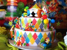 """bolo de aniversario tema """"circo"""" by Profissão Biscuit, via Flickr"""