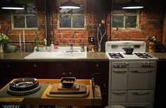 Google Image Result for http://thelostcompass.net/images/20111103184306_bohemian-kitchen.jpg