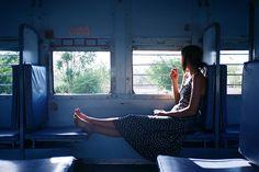 Photography Women, Film Photography, Creative Photography, Street Photography, Cinematic Photography, Foto Art, Solitude, Pose Reference, Nostalgia
