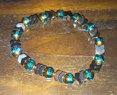 Chevron hematite bead bracelet - stretchy by BritkneesBootique on Etsy