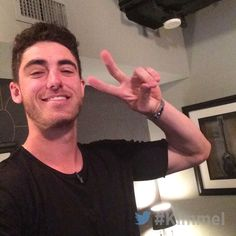 A Cody Bellinger Los Angeles Dodgers fan page — Hi everyone! This season has been a blast! Baseball Guys, Dodgers Baseball, Baseball Players, Baseball Stuff, Dodgers Girl, Dodgers Fan, Dodgers Party, Las Angeles Dodgers, Cody Love