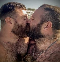 Men Kissing, Bear Men, Hairy Chest, Dream Guy, Man In Love, Hairy Men, Perfect Man, Hot Guys, Hot Men