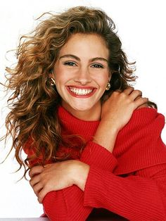 Celebrity Dimples - Julia Roberts - Click to Discover what Your Face Reveals with a Professional Face Reading and Face Compatibility Reading. :)
