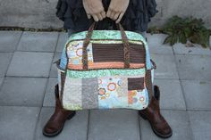 Amy Butler Weekender Bag by my ever so talented cousin, Michelle of With All My Heart. Sewing Hacks, Sewing Tips, Amy Butler, Weekender Tote, Patchwork Designs, With All My Heart, City Chic, My Bags, Diaper Bag