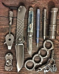 Northwoods and knucks every day carry