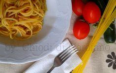 Pasta con la crema di zucchine e pomodori http://blog.giallozafferano.it/chiodidigarofano/pasta-la-crema-zucchine-pomodori
