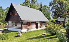 Nic tu není velké, ani chalupa, ani pozemek. Vše je ale využito a doslova vypipláno do posledního detailu Swiss Chalet, Little Houses, Home Fashion, House Styles, Cottages, Country Houses, Log Cabins, Home Decor, Austria