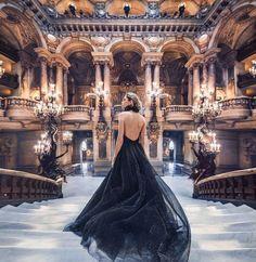 魔法にかけられたシンデレラのように、世界中をドレスで美しく彩る | TABI LABO