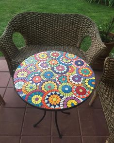 Mosaic art has been a mainstay of interior home decor projects for centuries. Let's discover the timeless uses of mosaic art throughout history until now, and take a pit-stop at mosaic table top designs. Mosaic Tile Designs, Mosaic Tile Art, Mosaic Vase, Mosaic Artwork, Mosaic Patterns, Mosaic Patio Table, Patio Table Umbrella, Round Patio Table, Patio Table Top Ideas