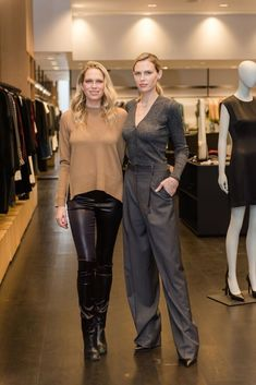 Sara and Erin Foster attend the Theory bumblebizz Career Day Sara Foster, Events This Week, Career Day, Fall Winter, Autumn, Celebs, Celebrities, Cristiano Ronaldo, Beautiful Ladies