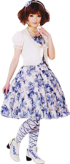 <3 how gorgeous! Classic Lolita is absolutely beautiful :)
