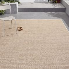 Made of all-weather polypropylene that's durable, waterproof and ridiculously easy to clean, our Woven Cable Rug imitates a jute materiality. It's handwoven for a braid effect that offers tons of texture in a natural look—the perfect… Seagrass Rug, Jute Rug, Woven Rug, Jute Mats, Herringbone Rug, Patio Rugs, Deck Rug, Solid Rugs, Wood Planters