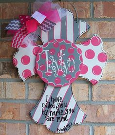 Wood cross door hanger with center attachment. Great for a baby birth announcement for the hospital and home. You can choose your colors. Painted Wooden Crosses, Wood Crosses, Painted Doors, Hand Painted, Cross Door Hangers, Baby Door Hangers, Wooden Door Hangers, New Baby Wreath, Baby Wreaths