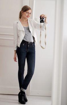 Pupulandia - jeans, white blazer, perfect shoes!