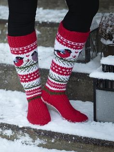Pitkävartiset villasukat Novita 7 Veljestä ja 7 Veljestä Pohjola | Novita knits Knit Mittens, Knitting Socks, Hand Knitting, Knit Socks, Crochet Slippers, Knit Or Crochet, Knitting Designs, Knitting Patterns, Baby Cardigan Knitting Pattern