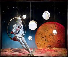 Lee Broom Illuminates Bergdorf Goodman's Menswear Windows Visual Merchandiser, styling and still life designs Window Display Design, Store Window Displays, Booth Design, Tableaux D'inspiration, Lee Broom, Visual Merchandising Displays, Visual Display, Space Museum, Space Theme