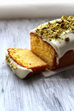 My Little Expat Kitchen: Lemon cake with Greek wild thyme honey glaze and pistachios Greek Sweets, Greek Desserts, Baking Recipes, Cake Recipes, Dessert Recipes, Vegan Recipes, The Joy Of Baking, Kitchen In, Honey Glaze