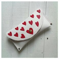 Alice in Wonderland Queen of Hearts Leather Clutch Purse by EcoLoveBubble on Etsy https://www.etsy.com/uk/listing/236377210/alice-in-wonderland-queen-of-hearts