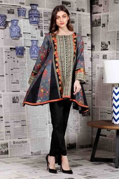 Chic Batik Outfits For Your Trend Pakistani Fashion Casual, Pakistani Dresses Casual, Pakistani Dress Design, Casual Summer Dresses, Stylish Dresses, Kurti Pakistani, Winter Maternity Outfits, Winter Mode Outfits, Winter Outfits Women