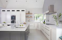 60mm floating oak shelves Oak Shelves, Kitchen Cabinets, Kitchen Appliances, Kitchens, Home Decor, Oak Wall Shelves, Kitchen Maid Cabinets, Cooking Utensils, Home Appliances
