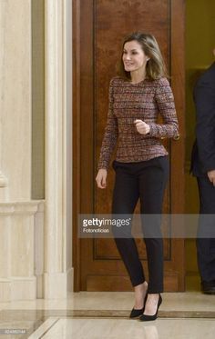 Princes Sofia, Palace, Spanish Royalty, Spanish Royal Family, Two Daughters, Queen Letizia, Fashion Pics, Monaco, Royals