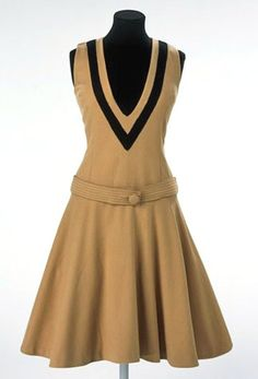 Mustard yellow wool pinafore, 1961. Butterick 3287 design licenced from Mary Quant .. I dont usually like dropped waist designs... but I like this :-)