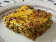 Bobotie - Low Carb - this Indonesian curried meat loaf is to South Africa what Moussaka is to Greece and Lasagne is to Italy. To make recipe Paleo, I leave out bread and milk and add honey instead of artificial sweetener. Banting Diet, Banting Recipes, Meat Recipes, Low Carb Recipes, Cooking Recipes, Healthy Recipes, Recipies, Yummy Recipes, Salad Recipes